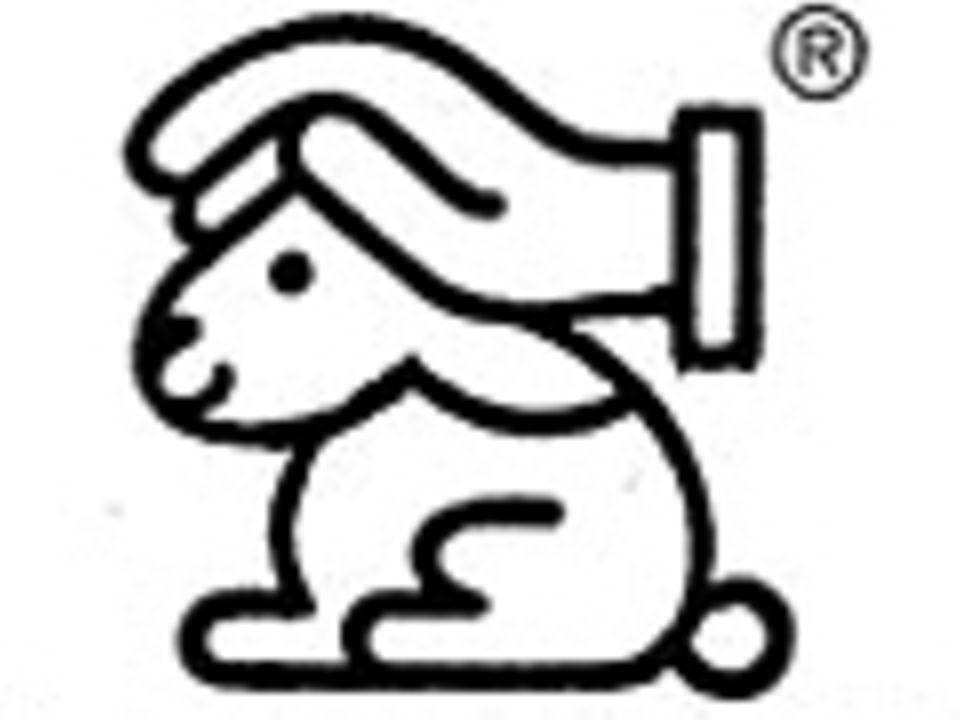 """Tierversuche: Für das IHTK-Label des """"Hasen mit schützender Hand"""" müssen sich Firmen an die strengsten Tierschutzrichtlinien halten; bei Zuwiderhandlung gegen diese drohen hohe Geldstrafen"""