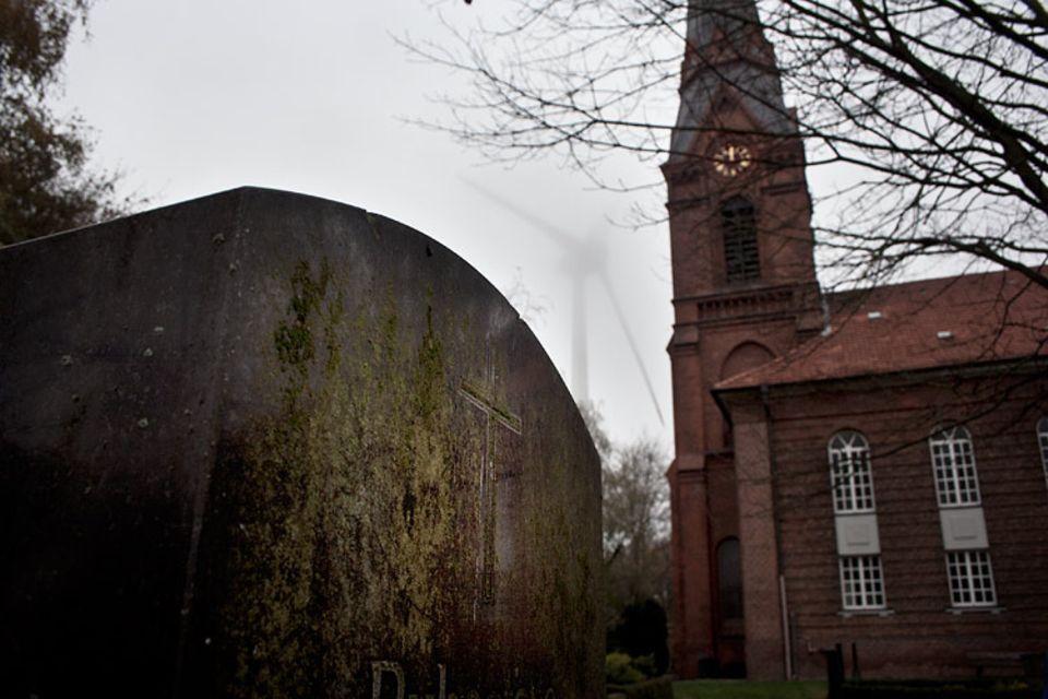 Geisterstädte: Der verwunschene Friedhof in Hamburg Altenwerder - ob es hier spukt?