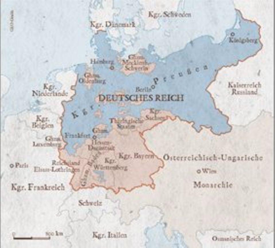 Das 1871 gegründete Deutsche Reich umfasst 25 Bundesstaaten sowie das Reichsland Elsass-Lothringen. Kaiser Wilhelm I. herrscht über 41 Millionen Einwohner. Vormacht ist Preußen, das mehr als die Hälfte des Staatsgebietes ausmacht