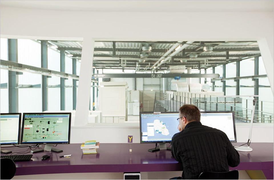 Energietechnik: In dieser Halle wird gerade die Azoren-Insel Graciosa mit Strom versorgt - theoretisch und im Maßstab 1 : 3