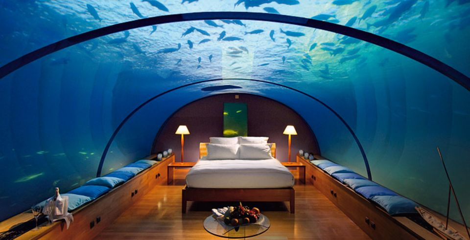 """Unterwasserhotel: Nur eine Fantasie: Im Unterwasser-Restaurant des """"Conrad's Resort"""" auf den Malediven wurde eine Test-Suite installiert"""