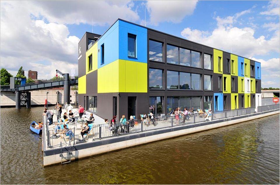 Auf Wasser gebaut: Das IBA-Dock im Alten Zollhafen