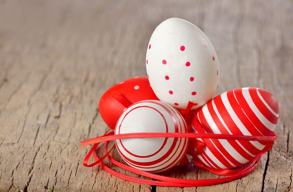 Ostern: Rote Ostereier sollten an den Opfertod Jesu am Kreuz erinnern