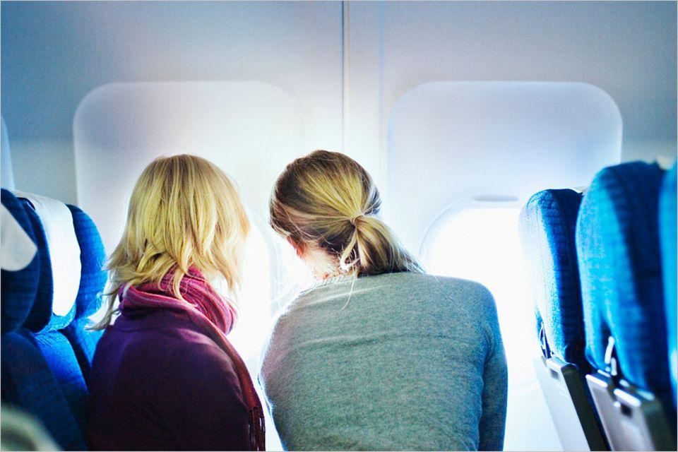 Reisephänomene: Obwohl die Sitzordnung im Flugzeug keiner Regelung unterliegt, bleiben die meisten Airlines bei den Sitzreihen in Flugrichtung