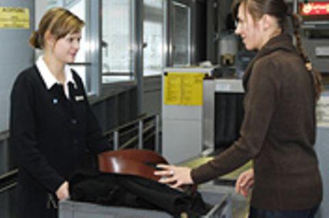 Reisephänomene: Gürtellos durch die Kontrolle
