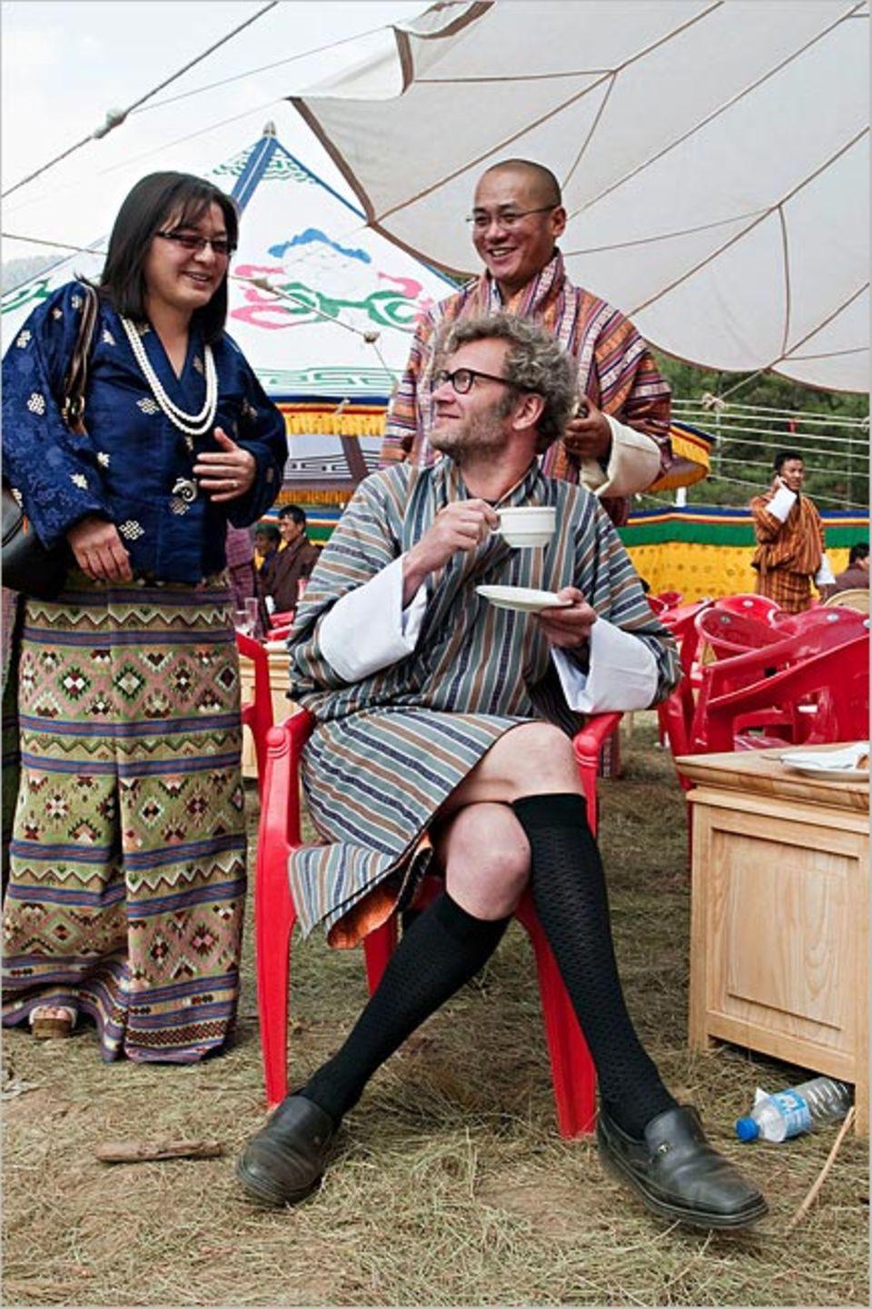 Serie: Reiseexperten: In Bhutan lässt sich Autor Tex Rubinowitz auch modisch auf Leute und Land ein