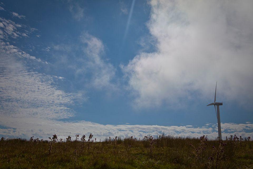 Windturbine auf den Shetlandinseln. Wird diese Technologie die Zukunft sichern?