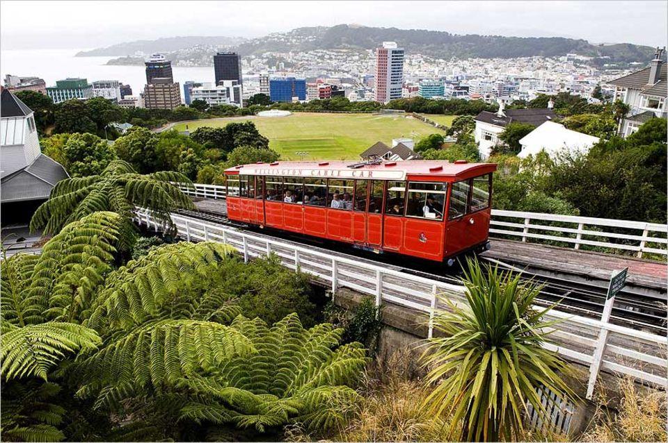 Städtereise: Das Cable Car in Wellington bietet eine aussichtsreiche Fahrt