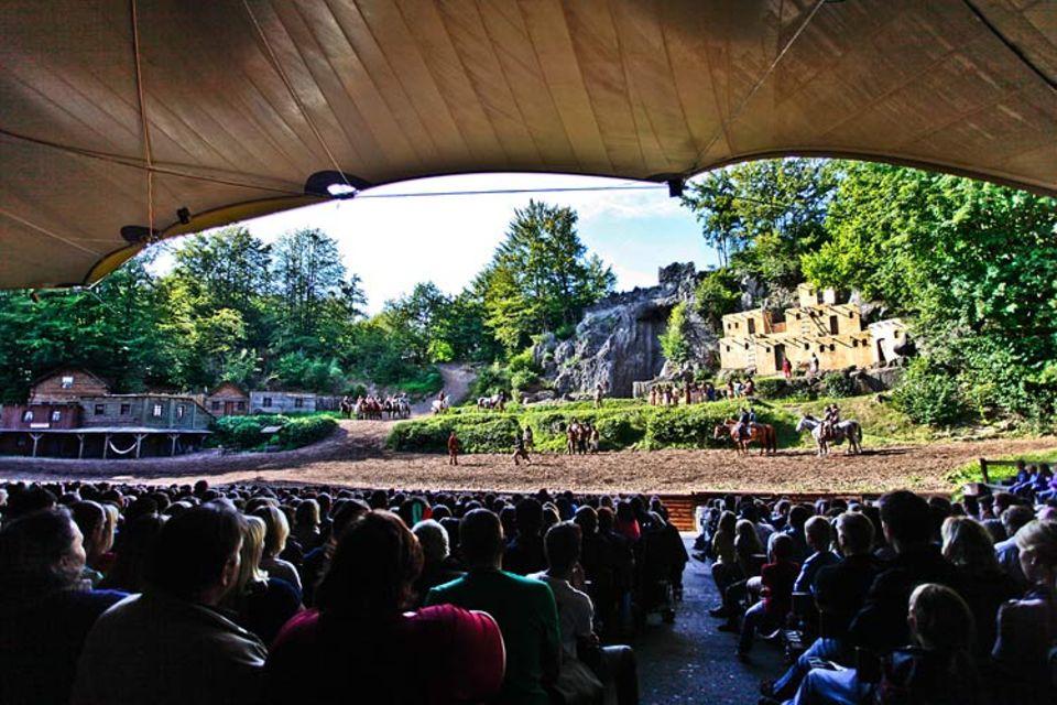 Video: Gigantisch: So sieht die große Naturbühne aus dem Publikum aus
