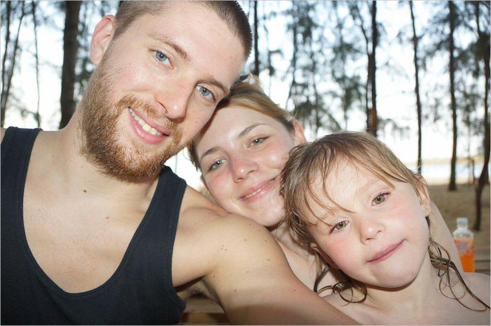Interview: Fühlen sich wohl in Kambodscha: Die GEO-Special-Gewinner Robert, Julia und Madita