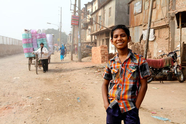 Der 11-Jährige Muhammad erlebte mit, wie eine Flut sein Dorf wegspülte
