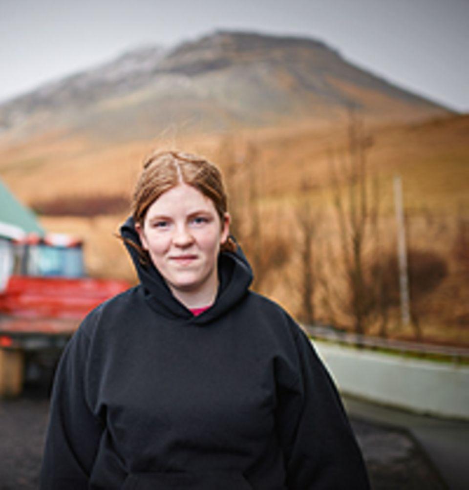 """Mitte April 2010 spuckte der Vulkan mit dem komplizierten Namen Eyjafjallajökull (sprich: """"Eja-fjatla-jökutl"""") kilometerhohe Aschewolken und verdunkelte den Himmel. Birta musste darum mitten in der Nacht ihr Haus verlassen"""