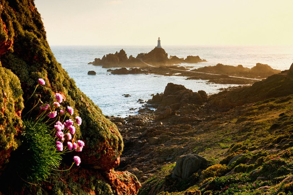 Jersey: Der Leuchtturm von La Corbiere ging bereits 1874 in Betrieb