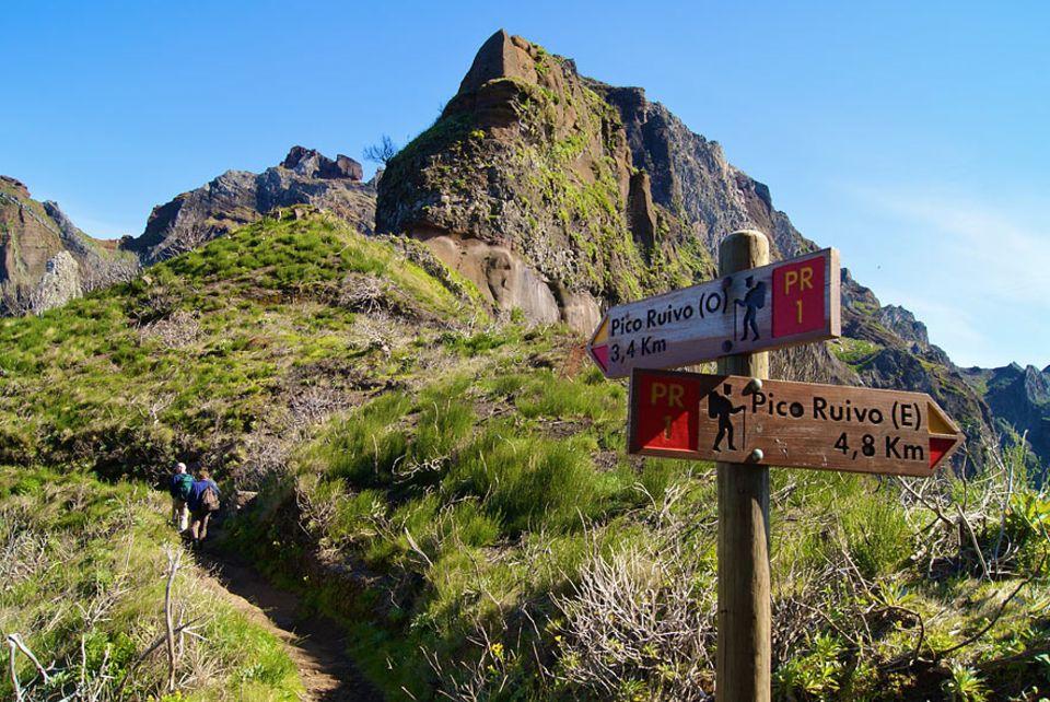 Madeira: West- oder Ostflanke? Diese Frage sollte man sich spätestens an der entsprechenden Gabelung stellen