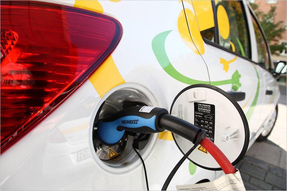 Elektromobilität: Die Batterie ist das Teuerste am Elektroauto. Beim E-Smart etwa kostet nur das Batteriesystem geschätzte 6000 bis 7000 Euro