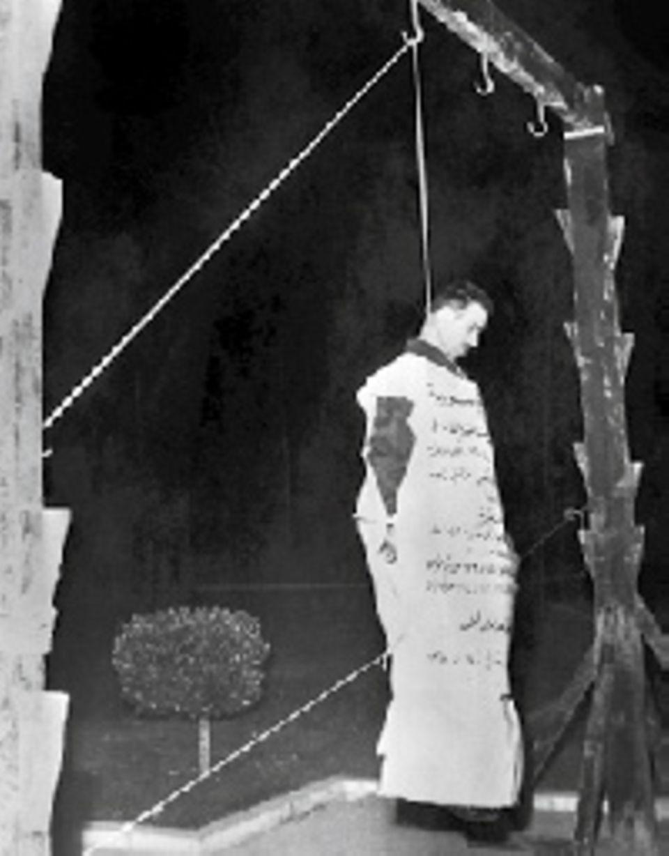 Foltern männer frauen Was man