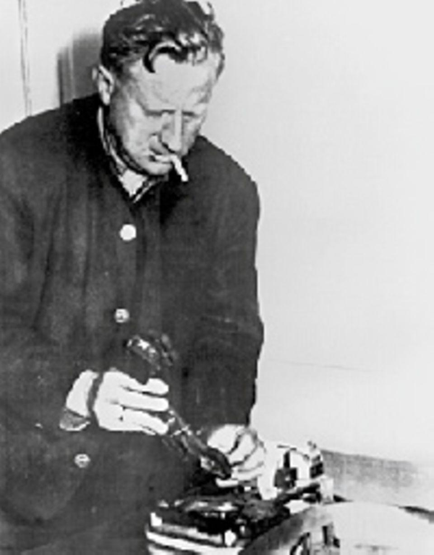 Auch in Ägypten besitzt der Mossad in den 1960er Jahren eine wertvolle Quelle: Als vermeintlicher deutscher Pferdezüchter späht Wolfgang Lotz die Armee aus - und liefert Israel wichtige Informationen vor dem Sechstagekrieg