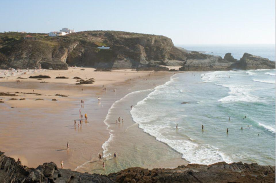 Portugal: Wilde Klippen und sonnige breide Strände – die Costa Alentejana hat beides