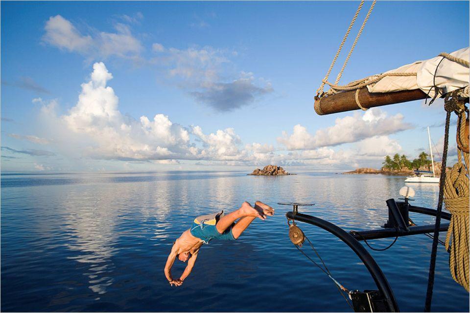 Ozeanische Erlebnisse: Insel-Hopping zwischen den Inseln des Seychellen-Archipels ist eine der beliebtesten Reisen im Indischen Ozean