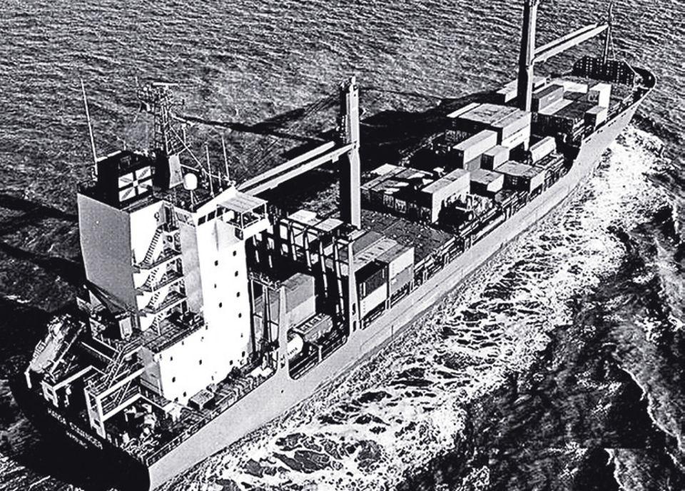 2009: Piraten vor Somalia: Das Schiff kann 18 Knoten fahren - zu schnell für Piraten, hofft die Crew