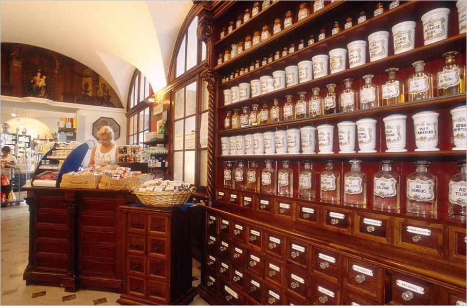 Reisephänomene: Medikamente im Ausland zu kaufen, kann sich rechnen