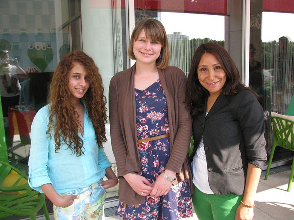 Das Mädchen Wadjda: GEOlino.de-Redakteurin Anna Sandner traf Waad Mohammed und die Regisseurin Haifaa al-Mansour zum Interview