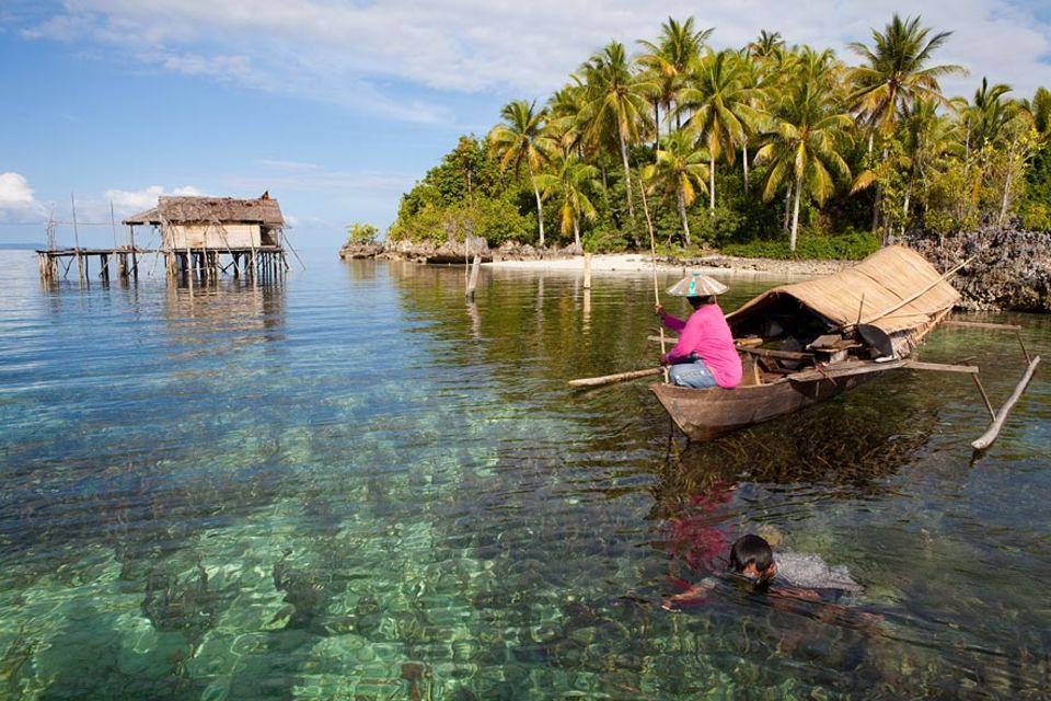 """""""Auf Pongka gehen"""" nennen es die Seenomaden, wenn sie ihr sesshaftes Leben immer wieder für einige Tage hinter sich lassen. Dann leben sie auf dem Boot, wie ihre Vorfahren"""