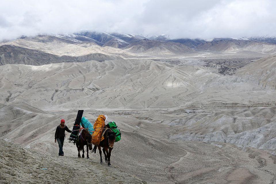 Beschwerliche Anreise für das Drehteam: Fünf Tage zu Pferd zum Drehort