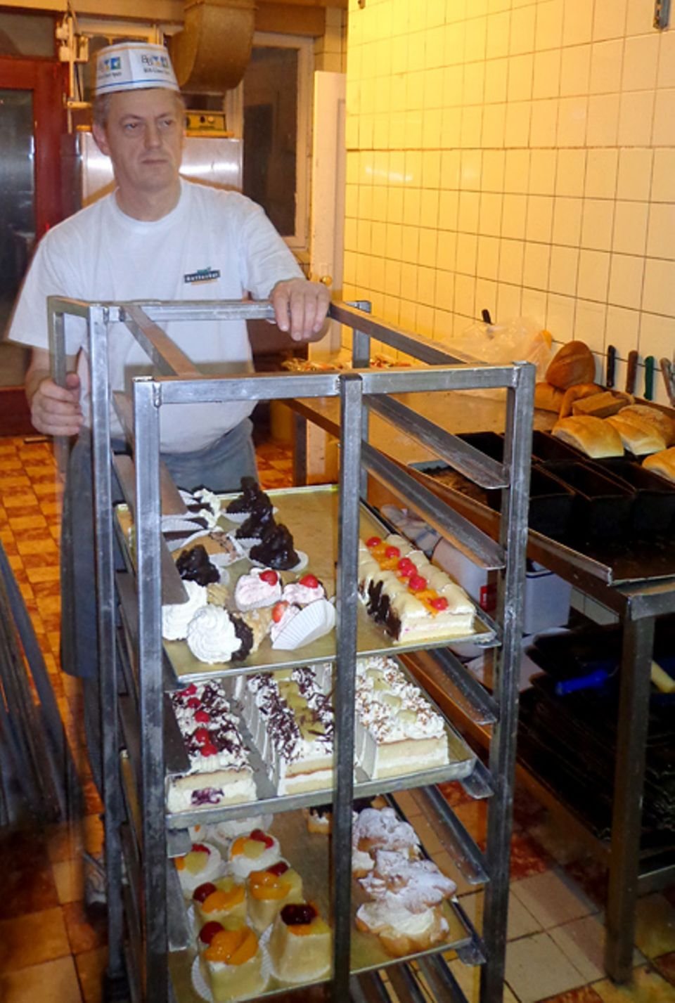 Beruf: Eine Bäcker-Schicht beginnt frühmorgens um drei Uhr und endet gegen 14 Uhr. Frühes Aufstehen sollte euch also nicht schwer fallen
