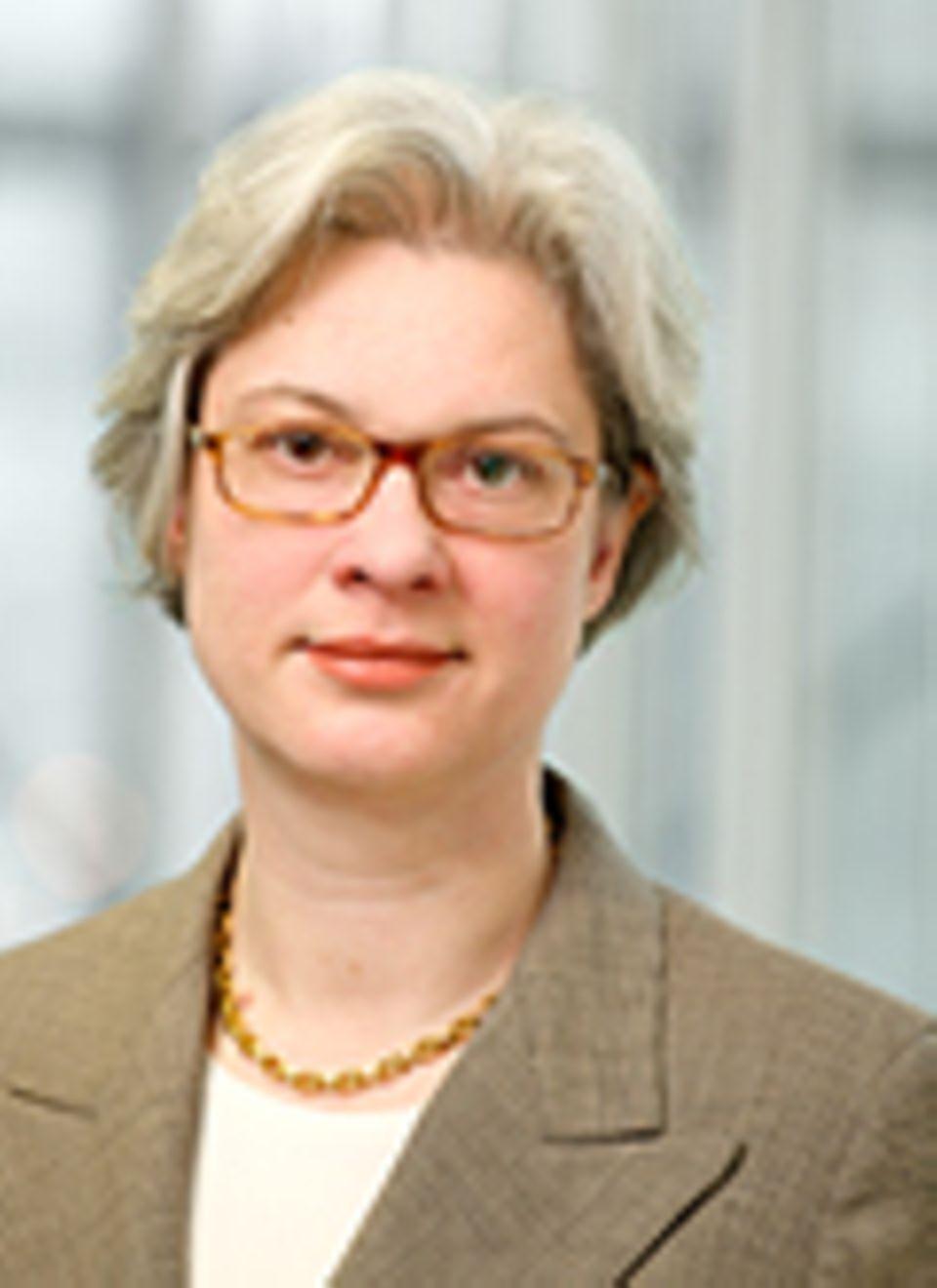Interview: Eva Kreienkamp ist die Geschäftsführerin der privaten Bahnsgesellschaft HKX und hat gelernt sich durchzubeißen