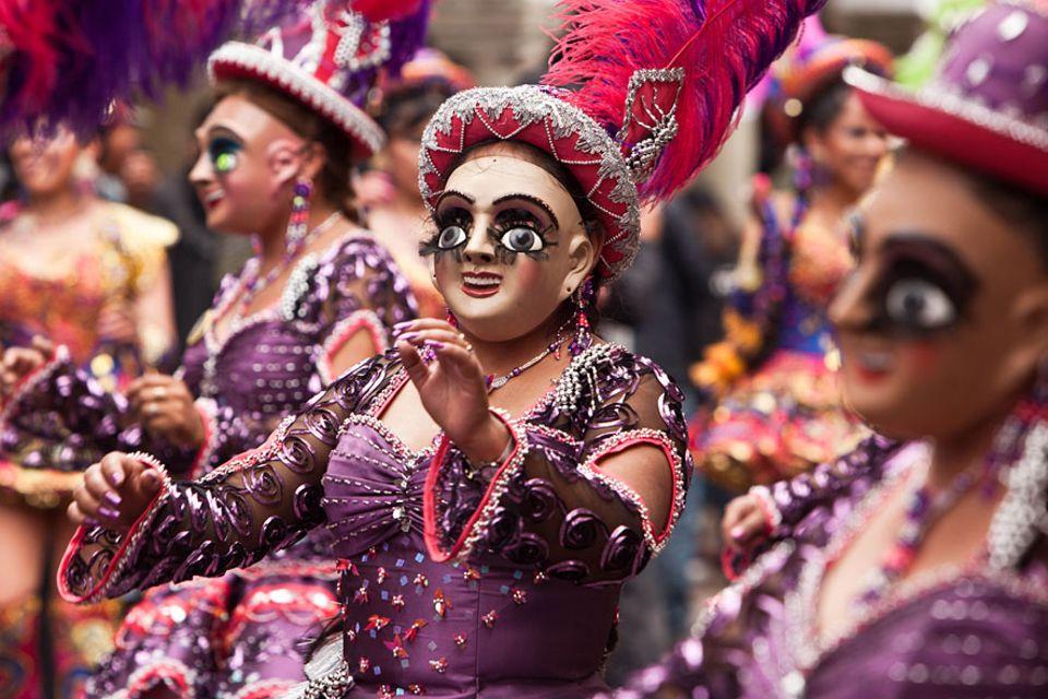 Karneval weltweit: Farbenfroh und maskiert geht es im bolivianischen Oruro zu