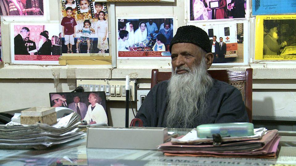 Seit 65 Jahren versuchen der mittlerweile über 90-jährige Abdul Sattar Edhi und seine Familie, ihren Mitmenschen zu helfen, indem sie andere zu Mitgefühl und Toleranz bewegen