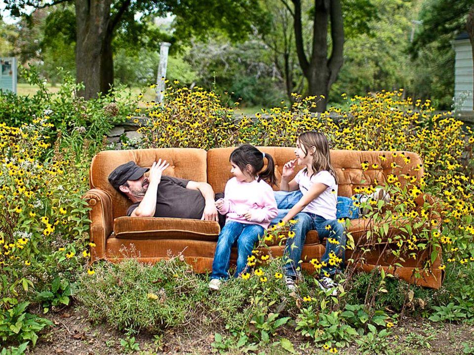 Reisetrend: Bei Fremden auf der Couch zu schlafen ist nicht nur günstig, sondern bringt auch jede Menge Spaß mit sich