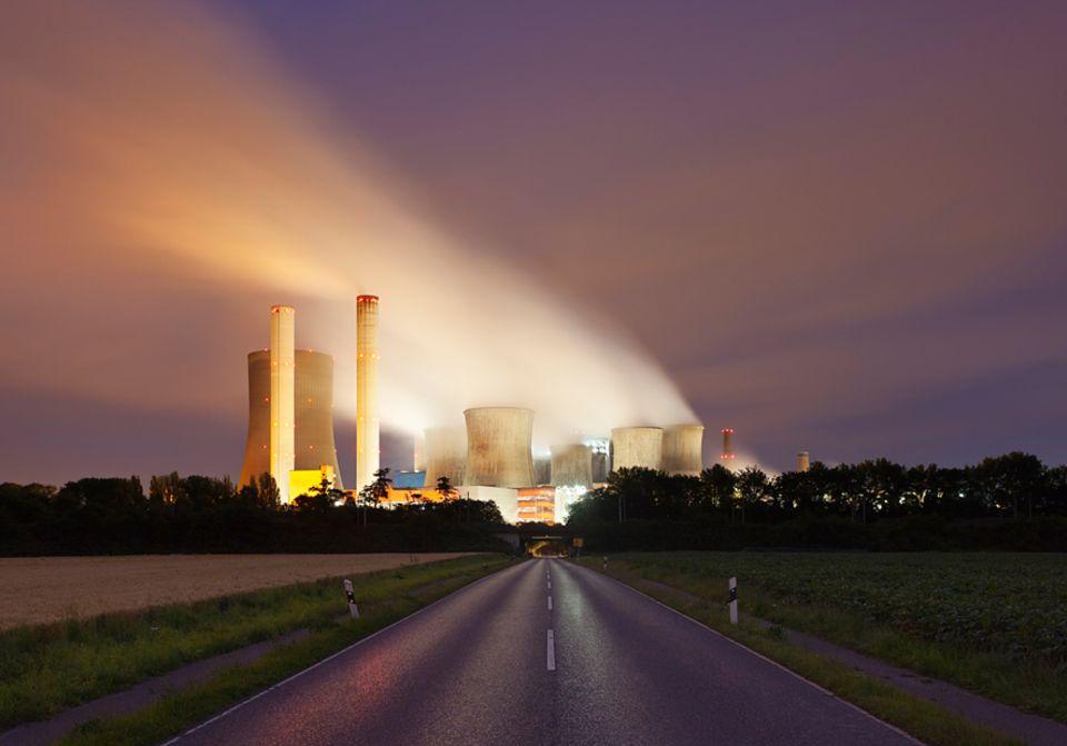 COP19-Klimakonferenz: Wie hier im Kraftwerk Niederaussem wird in Deutschland wegen niedriger CO2-Preise wieder mehr Braunkohle verbrannt