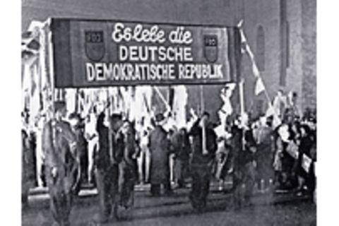 1949: Gründung der DDR: Staat von Stalins Gnaden