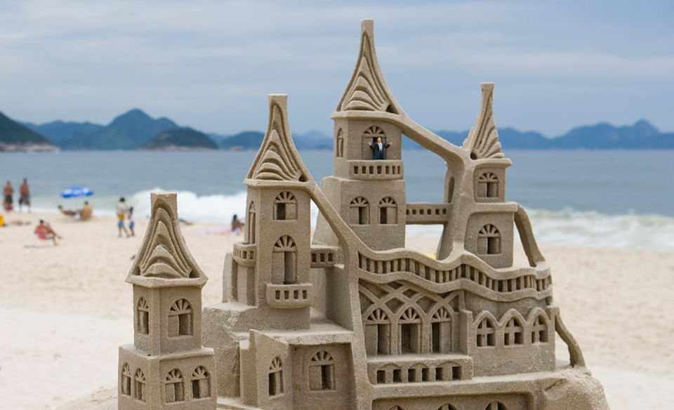 Urlaubstipps: Wer solche Sandburgen bauen möchte, sollte sich an der Formel des Geografen Matthew Benett halten