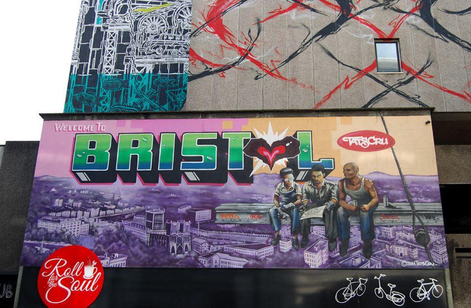 """Städtetrip: Lediglich fünf Stunden benötigten Graffiti-Künstler aus New York im Rahmen des """"See no evil""""-Projekts für dieses Stadtporträt von Bristol"""