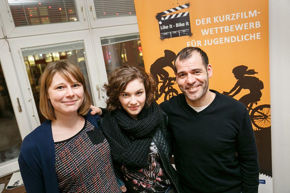 Jugendfilmwettbewerb: GEOlino.de-Readakteurin Anna führte das Interview mit Fünf-Freunde-Regisseur Mike Marzuk und Jungschauspielerin Valeria Eisenbart