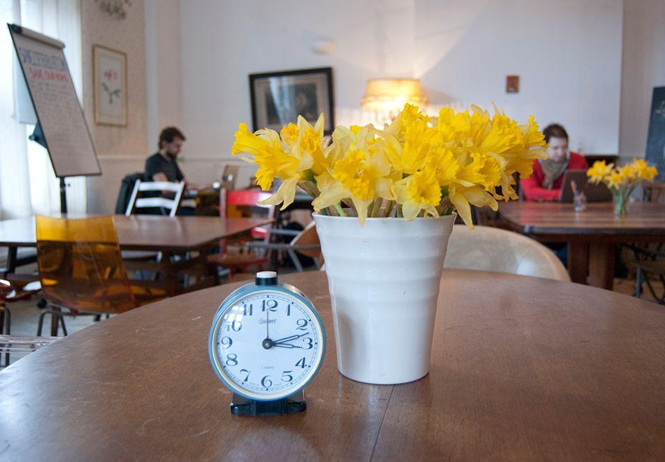 """London: """"Ziferblat"""" ist die russische Form des deutschen Wortes Zifferblatt und wurde zum Namengeber für die Zeitcafés von Ivan Meetin"""