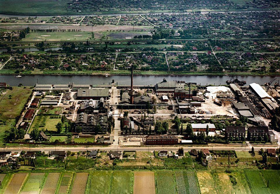 Boehringer-Altlast: 1951 begann die Produktion von Pflanzenschutzmitteln im Boehringer-Werk Moorfleet. Drei Jahre später erkrankten die ersten Arbeiter