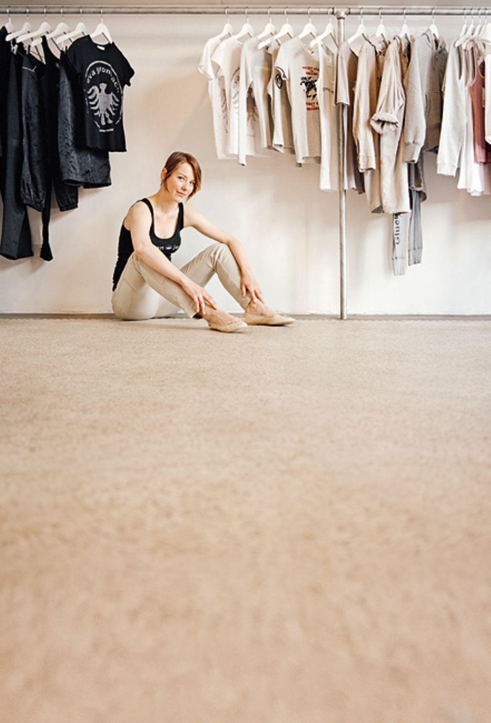 Köln: Modemacherin Eva Gronbach in ihrem Laden am Hansaring