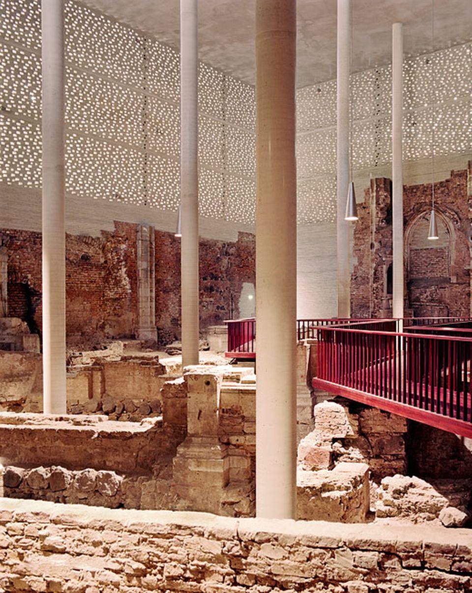 Köln: In einem Mantel aus Beton befinden sich die über 1000 Jahre alten Trümmer der kleinen Kapelle St. Kolumba