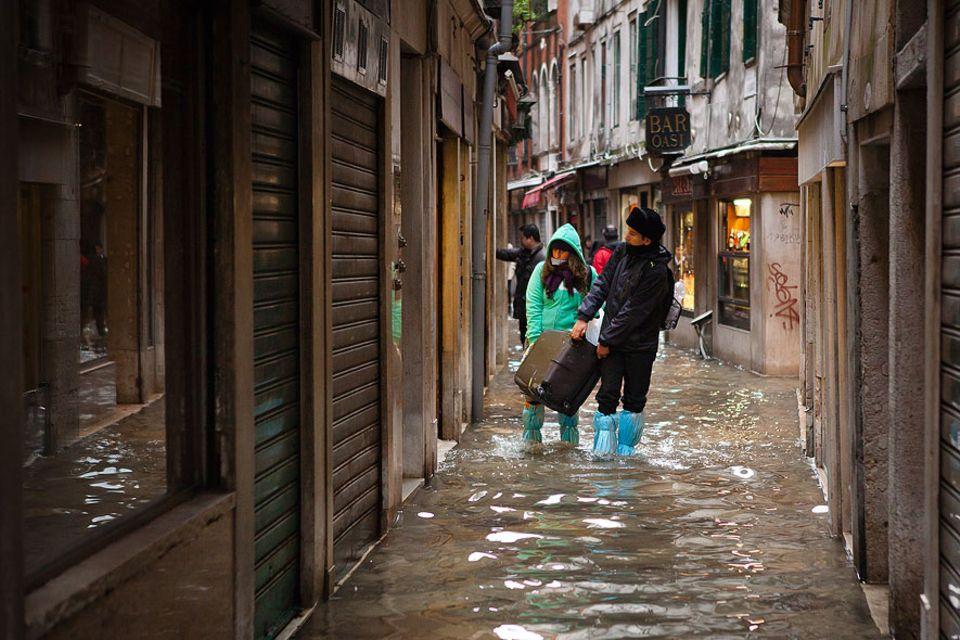 Jedes Jahr im Winter wird die Lagunenstadt vom Hochwasser, dem berüchtigten Aqua Alta, heimgesucht