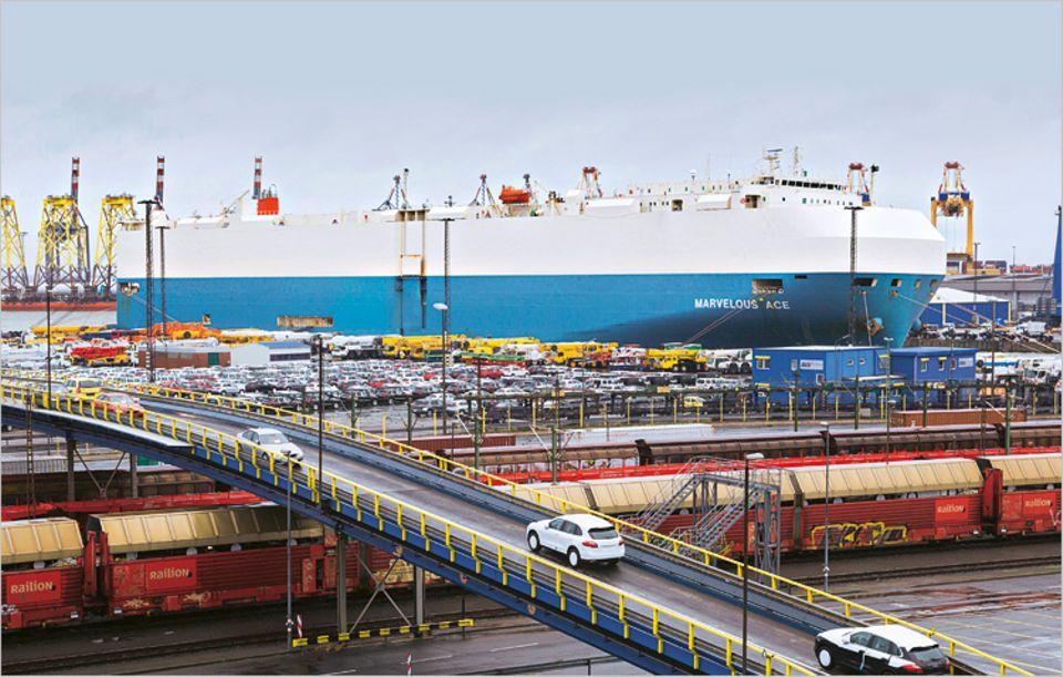 Den Autoterminal in Bremerhaven passieren jährlich mehr als zwei Millionen Autos