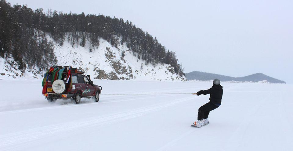 Interview: Auf dem Baikalsee zu snowboarden, zählt für Florian Keller zu den Highlights der Reise
