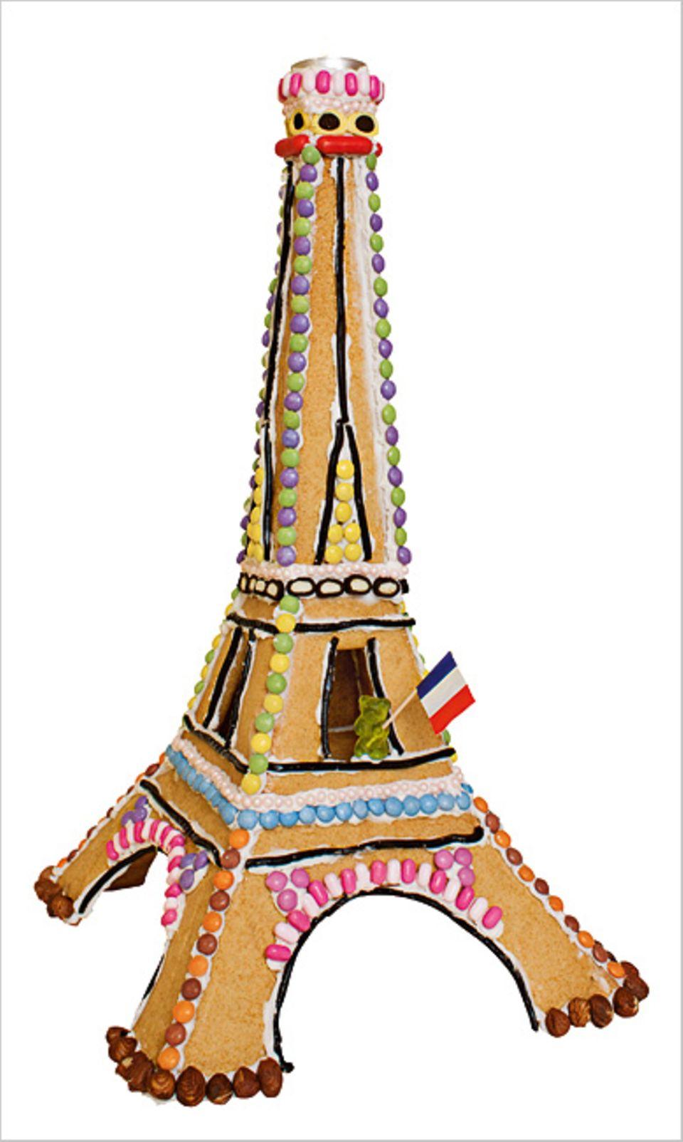 Rezept: Hmm! So lecker sieht der Eiffelturm aus Keksteig aus