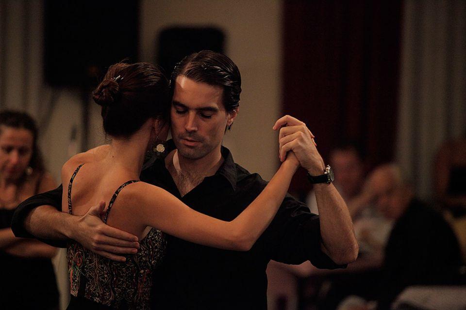 Marcelo Lavergata verdient sein Geld als Tangolehrer und Milonga-Veranstalter in Buenos Aires