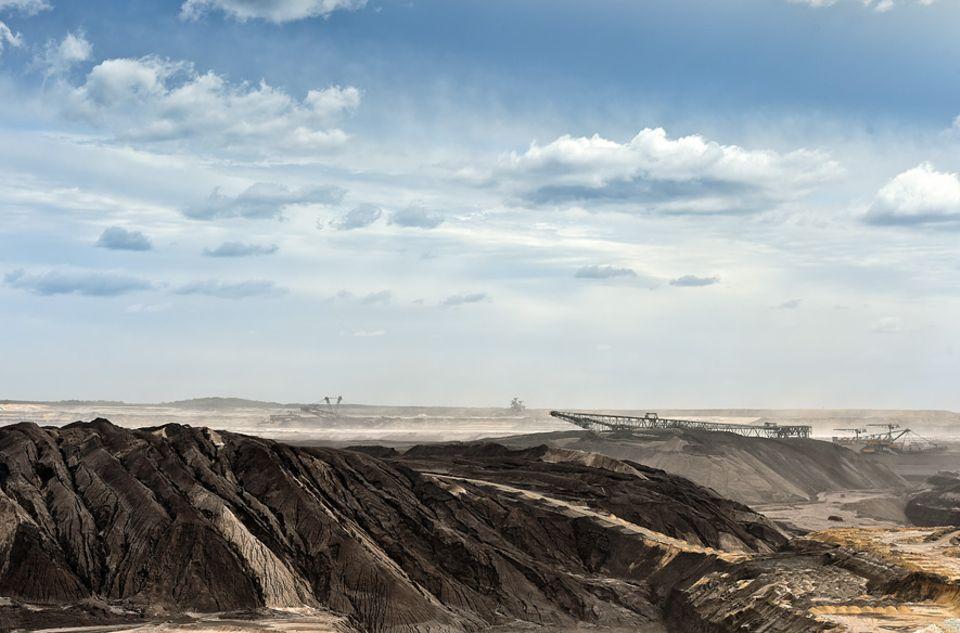 """Nachgedacht: Das Gelände des Braunkohletagebaus Welzow-Süd in Brandenburg: ein """"nachhaltiges"""" Problem"""