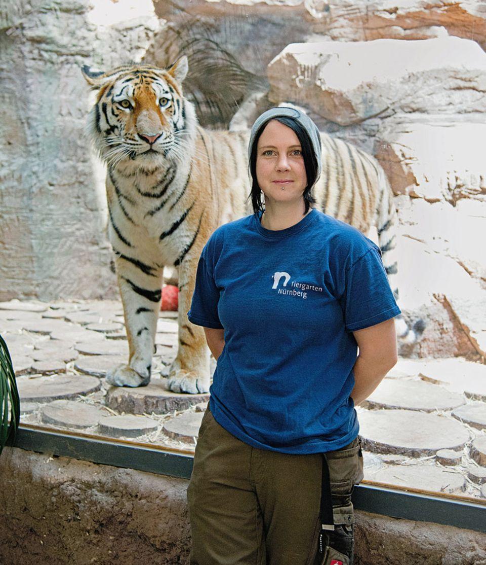 Berufe: Tierpflegerin Alexandra Hoffmann würde das Tiger-Gehege niemals betreten