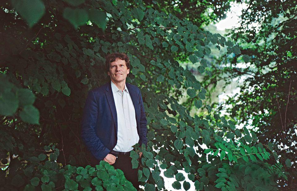 Burnout: HARTMUT ROSA ist einer der renommiertesten deutschen Zeitforscher. Er lehrt an der Universität Jena und ist Direktor des Max-Weber-Kollegs für kultur- und sozialwissenschaftliche Studien an der Universität Erfurt